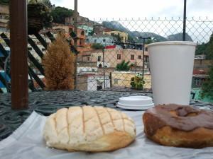 Pan Dulce, Donut, Coffee